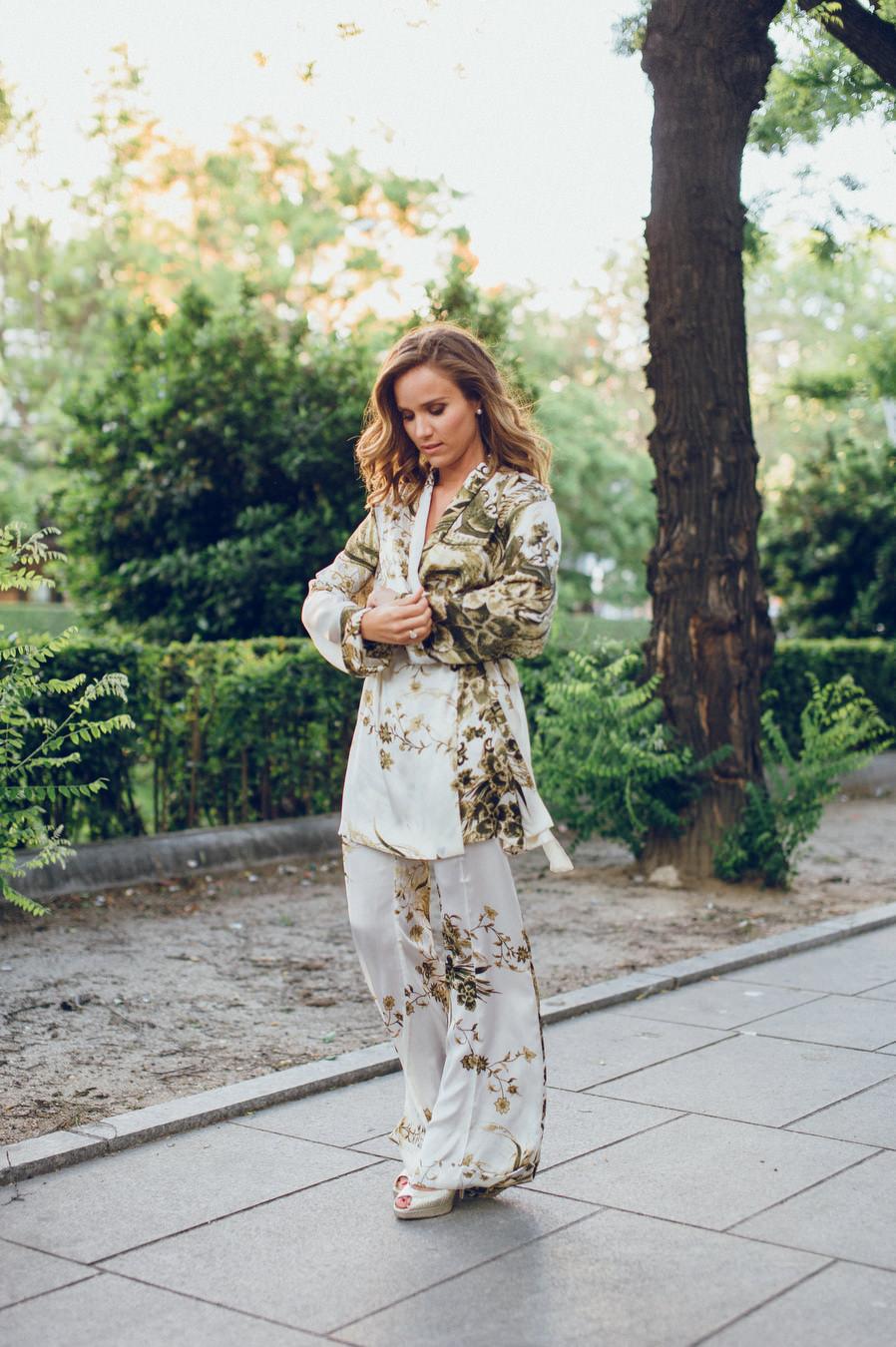 calista-one-lista-de-bodas-online-blog-de-bodas-bossanova-looks-invitadas-adriana-kimono-1