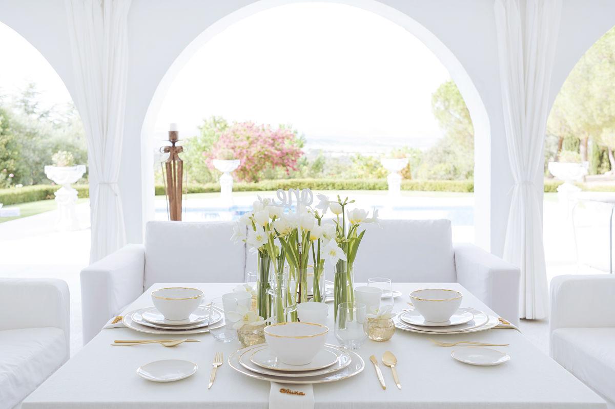 calista-one-lista-de-bodas-online-blog-de-bodas-decoracion-mesa-blanco-y-dorado-10