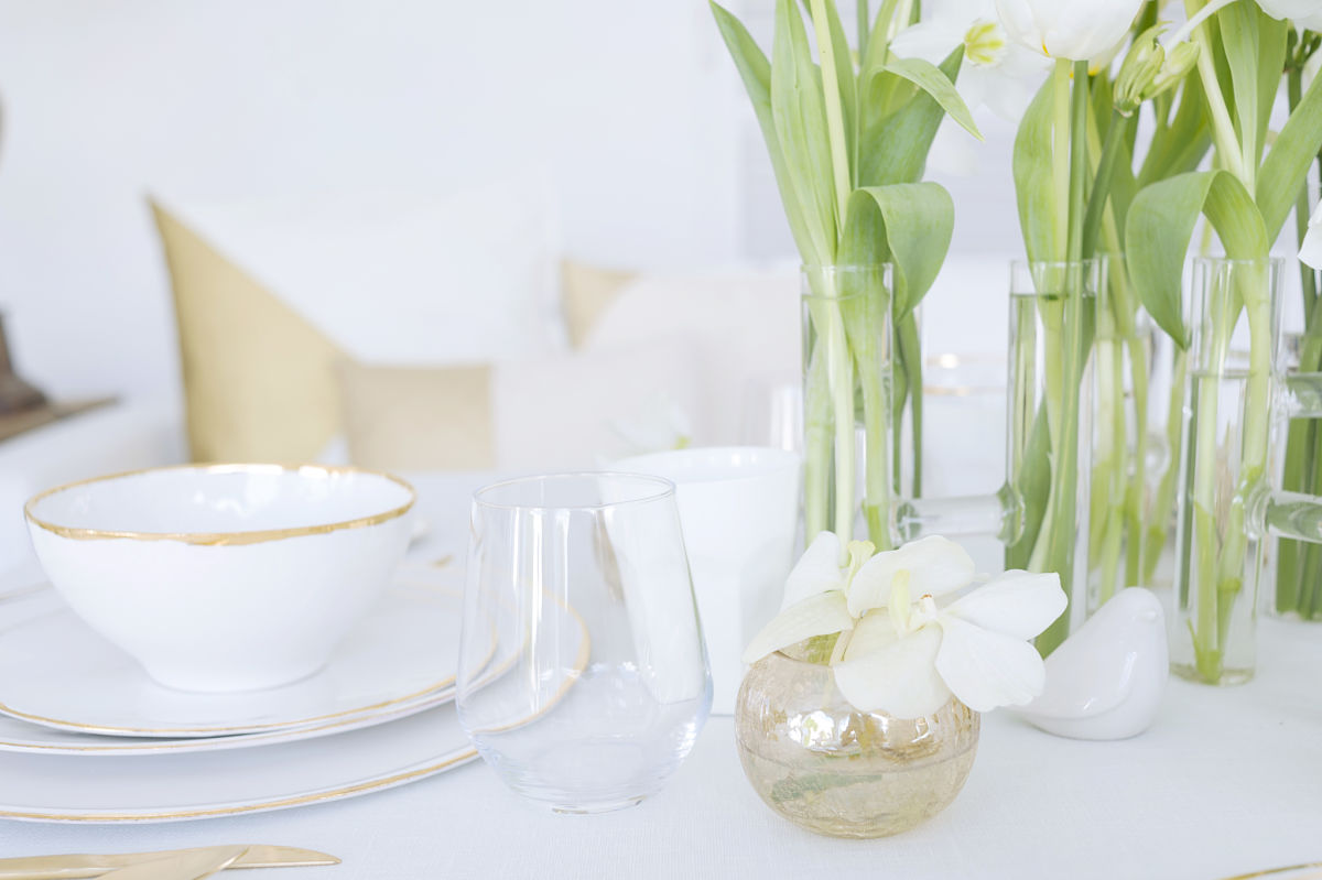 calista-one-lista-de-bodas-online-blog-de-bodas-decoracion-mesa-blanco-y-dorado-12