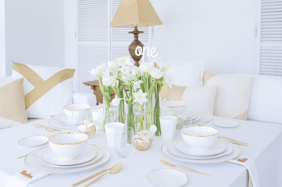 Inspiración Para Decorar Una Mesa En Tonos Blancos Y Dorados