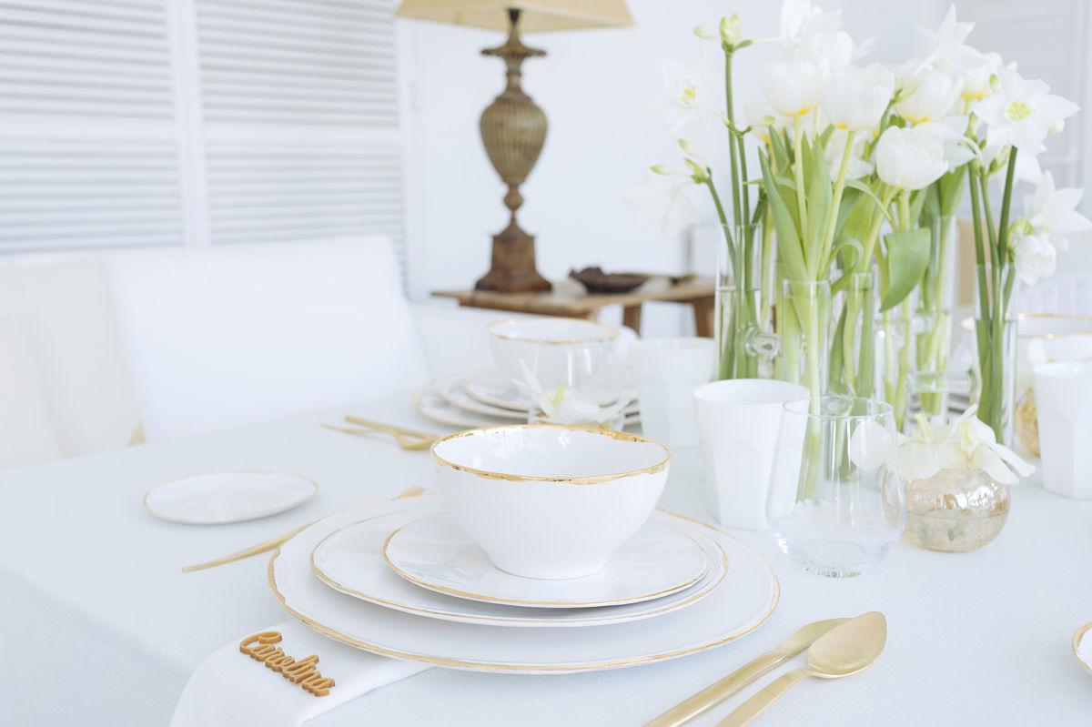 calista-one-lista-de-bodas-online-blog-de-bodas-decoracion-mesa-blanco-y-dorado-6