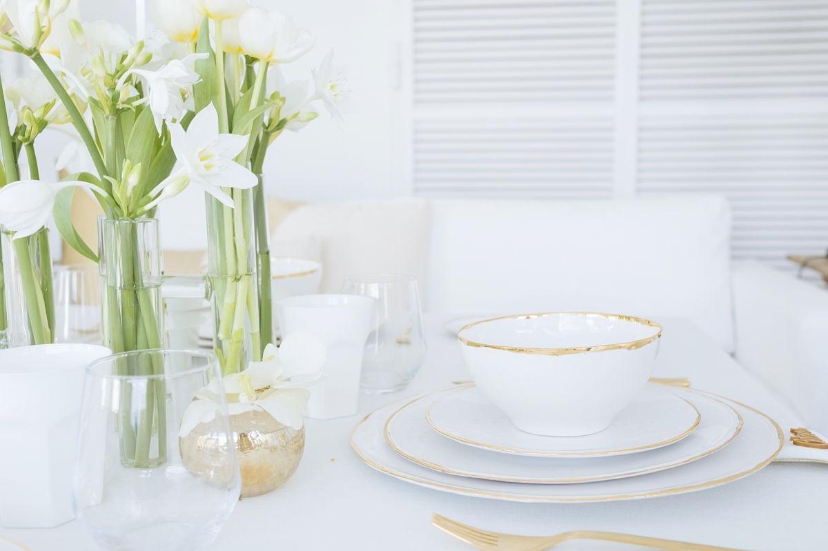 calista-one-lista-de-bodas-online-blog-de-bodas-decoracion-mesa-blanco-y-dorado-7