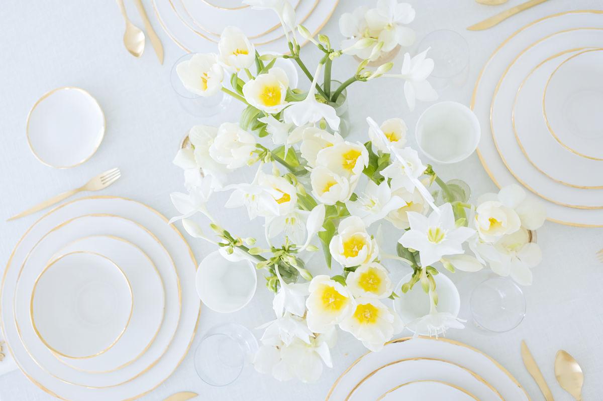 calista-one-lista-de-bodas-online-blog-de-bodas-decoracion-mesa-blanco-y-dorado-8