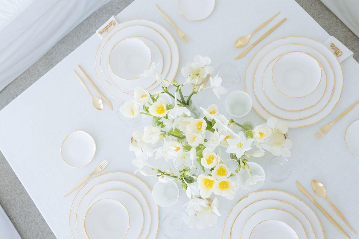 calista-one-lista-de-bodas-online-blog-de-bodas-decoracion-mesa-blanco-y-dorado-9