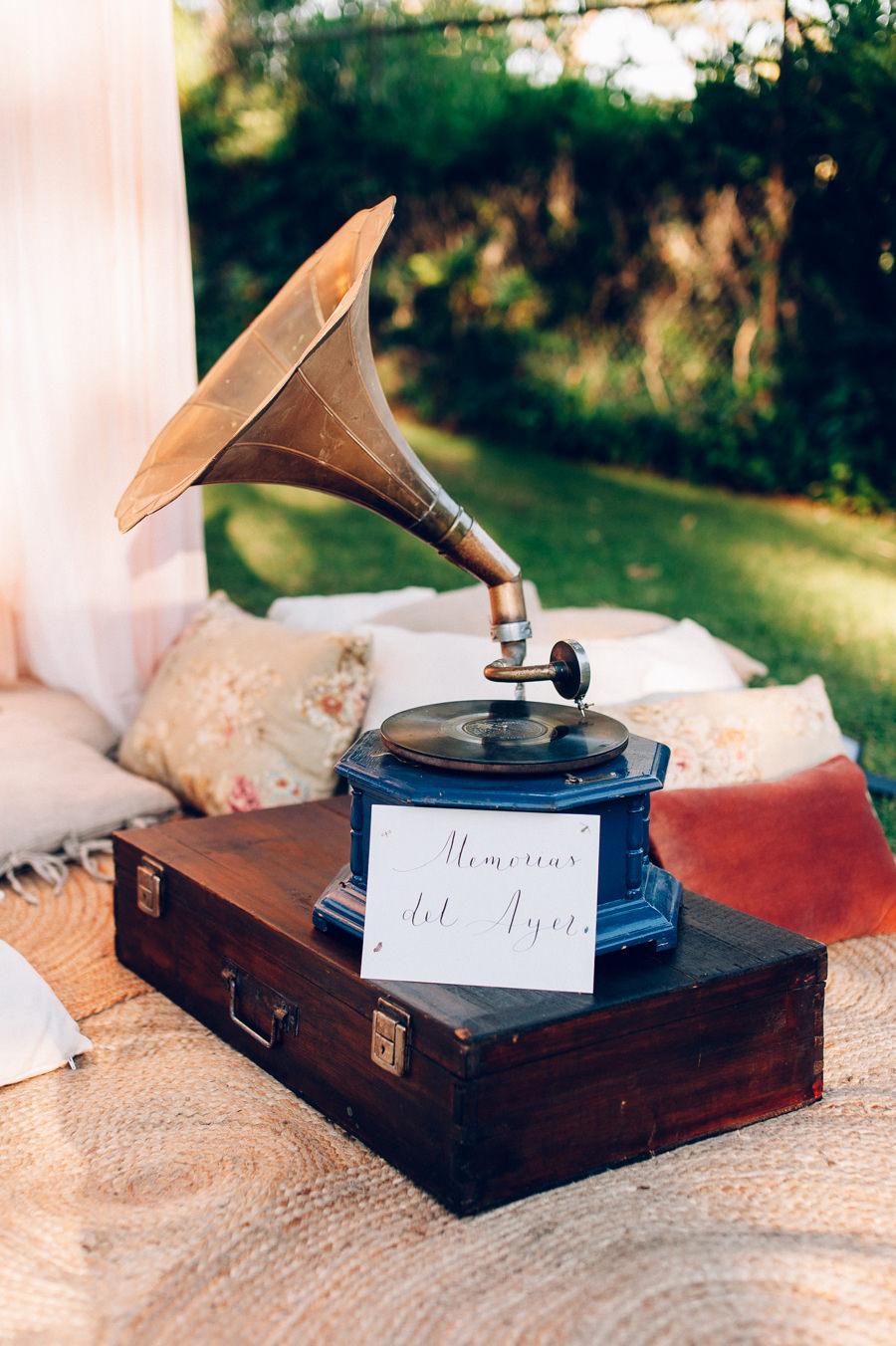 Photocall romantico con tules y cojines 12